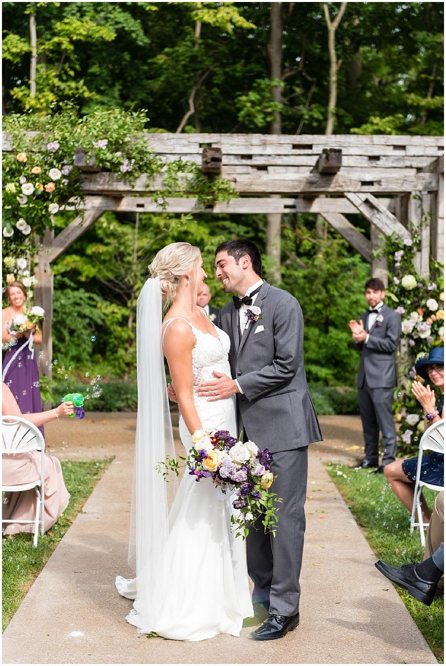 barn-at-bay-horse-wedding-indianapolis-photographers_3593.jpg