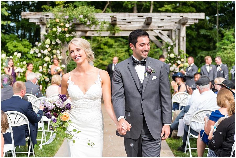 barn-at-bay-horse-wedding-indianapolis-photographers_3595.jpg