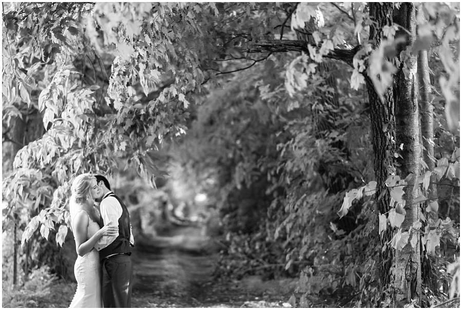 barn-at-bay-horse-wedding-indianapolis-photographers_3596.jpg
