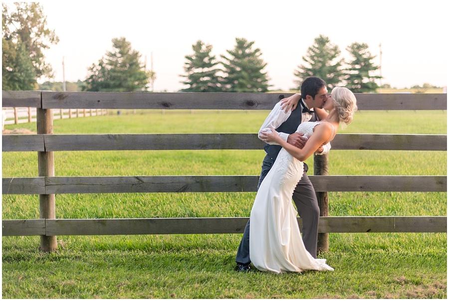 barn-at-bay-horse-wedding-indianapolis-photographers_3624.jpg