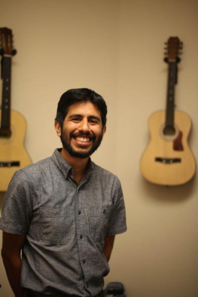 Cesar Gomez Curious Chords Music Studio