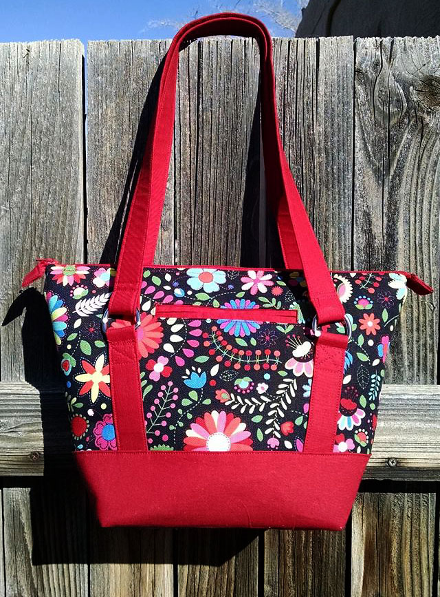 Titania Tote in Kona Cotton Accents by Karen McEuen