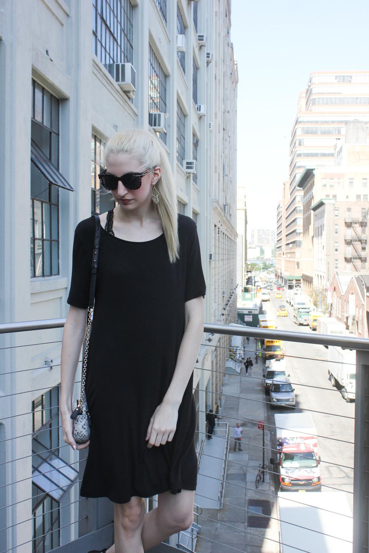 LOFT Black trapeze dress, Urban Outfitters black lace bralette, LOFT sunglasses, LOFT gold fringe earrings, Chelsea Highline, New York City, Manhattan, NYC, bottle blonde, blonde hair, NYC Blogger