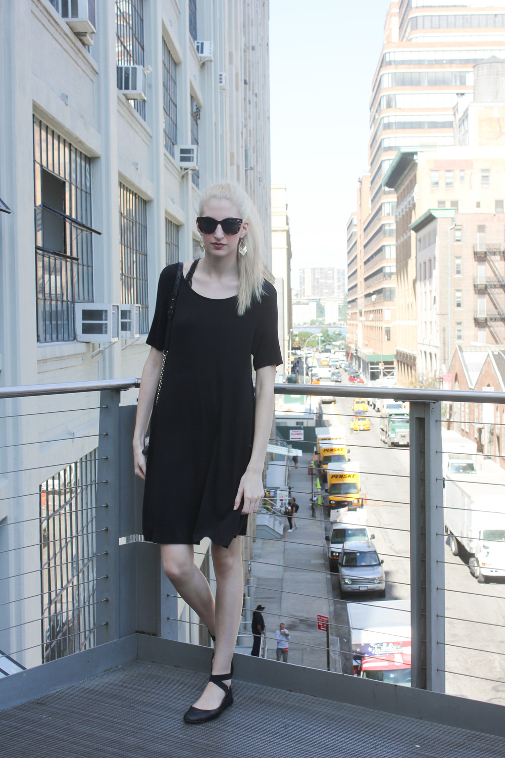 LOFT Black trapeze dress, Urban Outfitters black lace bralette, LOFT sunglasses, LOFT gold fringe earrings, Chelsea Highline, New York City, Manhattan, NYC, bottle blonde, blonde hair, NYC Blogger