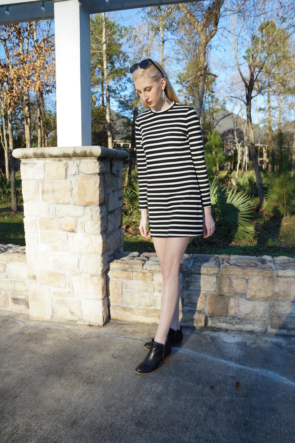 Forever 21 striped shift dress, steve madden black ankle boots, LOFT sunglasses, target earrings, Elizabeth Arden lipstick