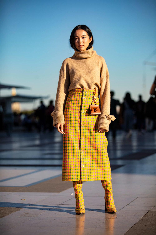 How to Dress Like a Paris Fashion Week Girl