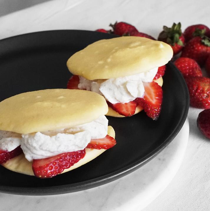 LCHF Strawberry Shortcakes (Keto)