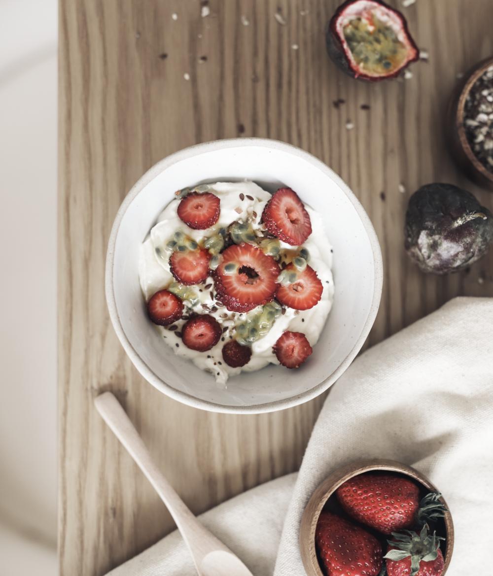 Passionfruit Yoghurt & Granola