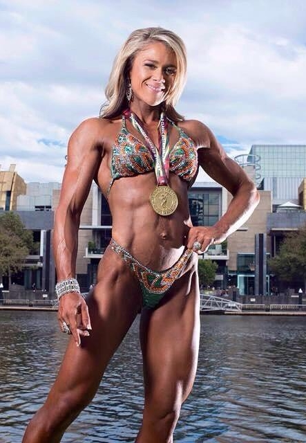 Yvette Brown Pro Ifbb - Tanned by Wild for Beauty