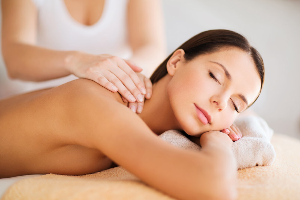 sianna-muscles-in-motion-massage-dearborn-heights-michigan-spa-party-massage-therapy-4.jpg