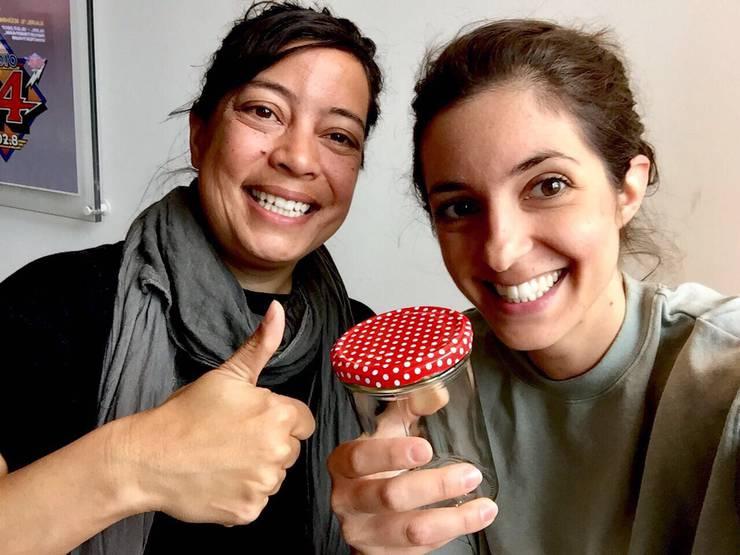 ©  Radio 24  - Céline Werdelis und Tara Welschinger, Inhaberin des  «FOIFI» – ZeroWaste Ladencafé