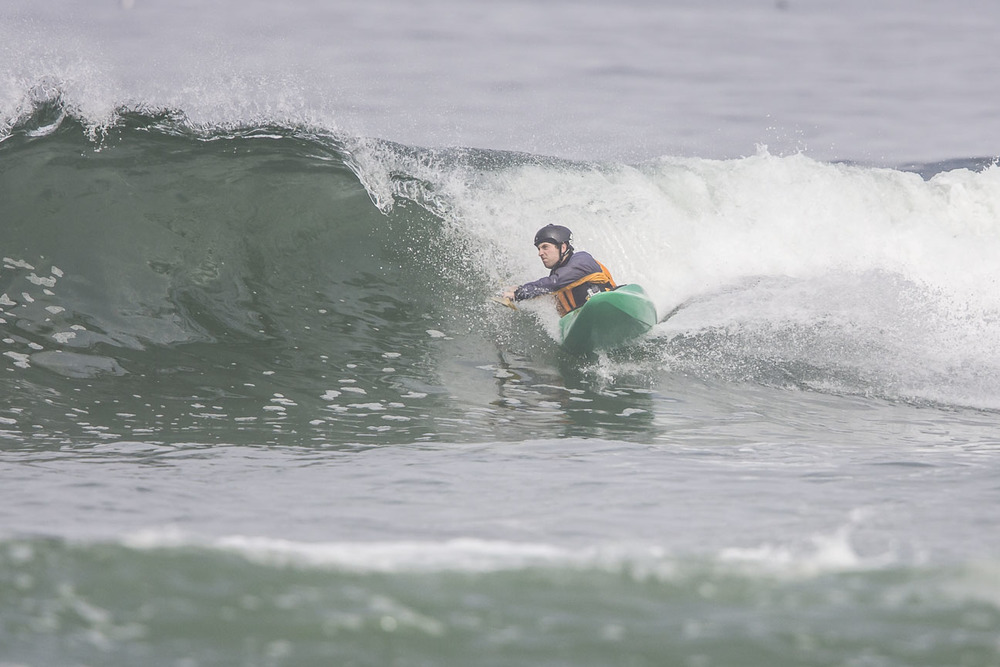 kayak surfing lesson