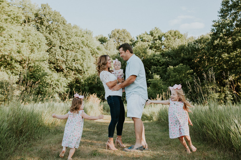 Book Early + Save - Now-March 31, 201910% off your Full Family SessionImmediate family included (regular price $299)