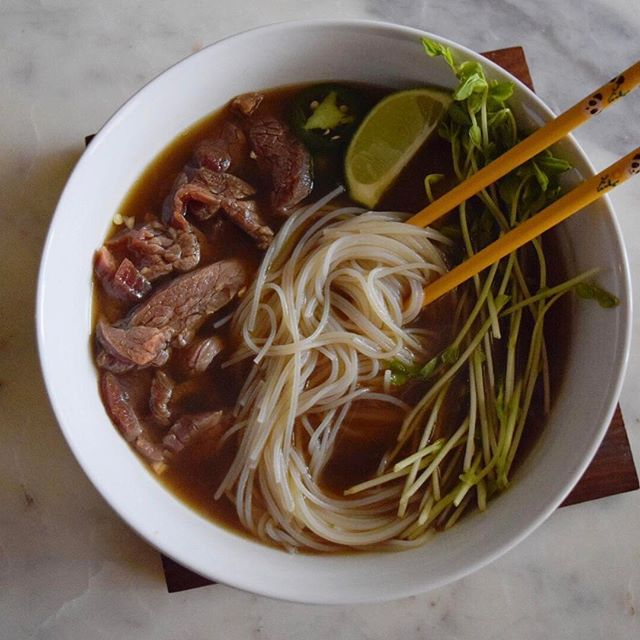 When it's this cold out - you just need some #pho. ❄️🍜 #homemade #recipe #rgv #winter #wintereats #warmandcozy #caldo #steak #flanksteak #texas