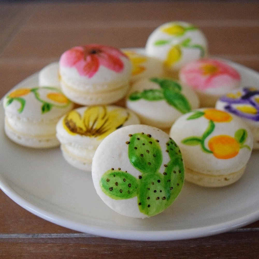 painted macarons -