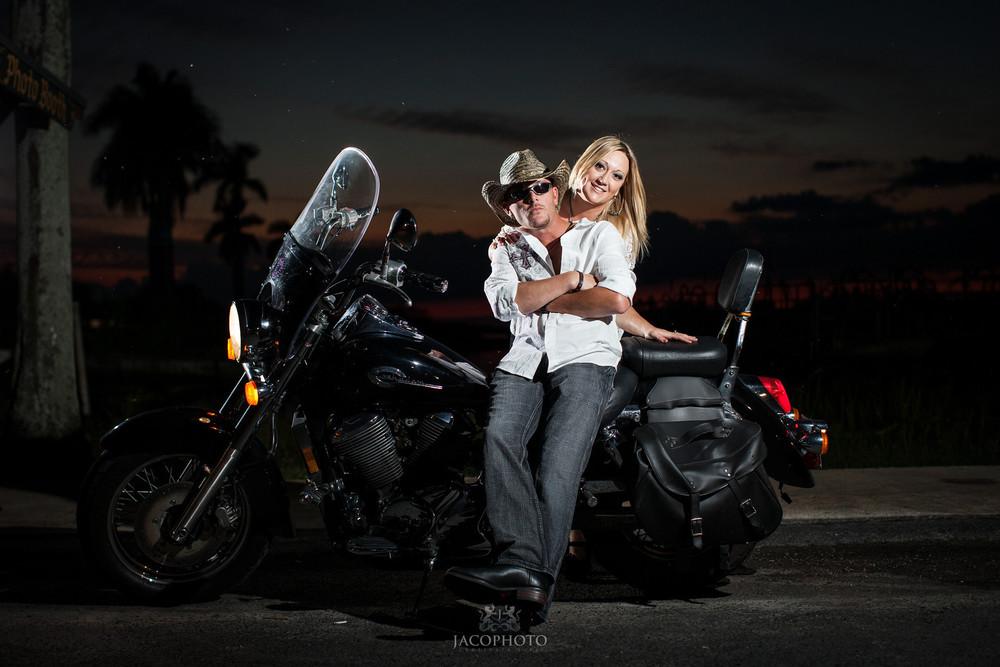 Cari and Travis Engagement Shoot 0190-X3.jpg