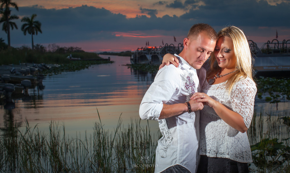 Cari and Travis Engagement Shoot 0174-X3.jpg