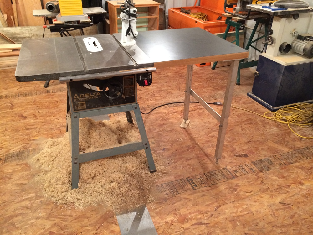 Biesemeyer style table saw fence brickel creek fine woodwork i used two pieces of 34 mdf and some laminate i found at the salvage yard down the street for the table top i welded up the legs out of some scrap keyboard keysfo Images