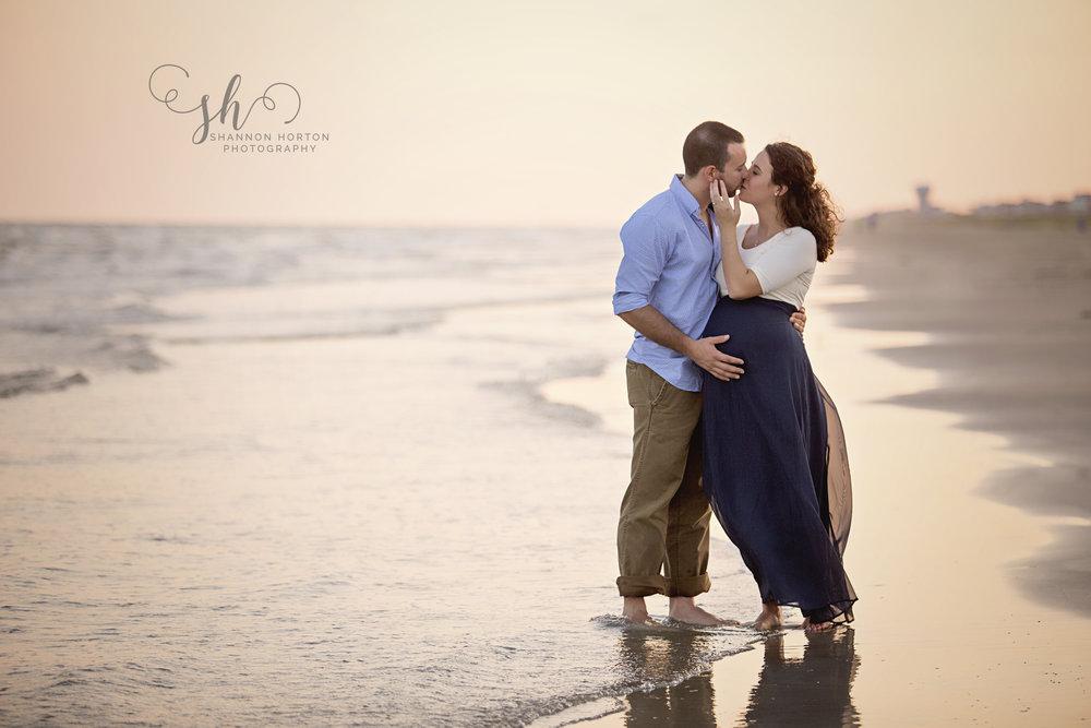 gorgeous-couple-on-beach-at-sunset
