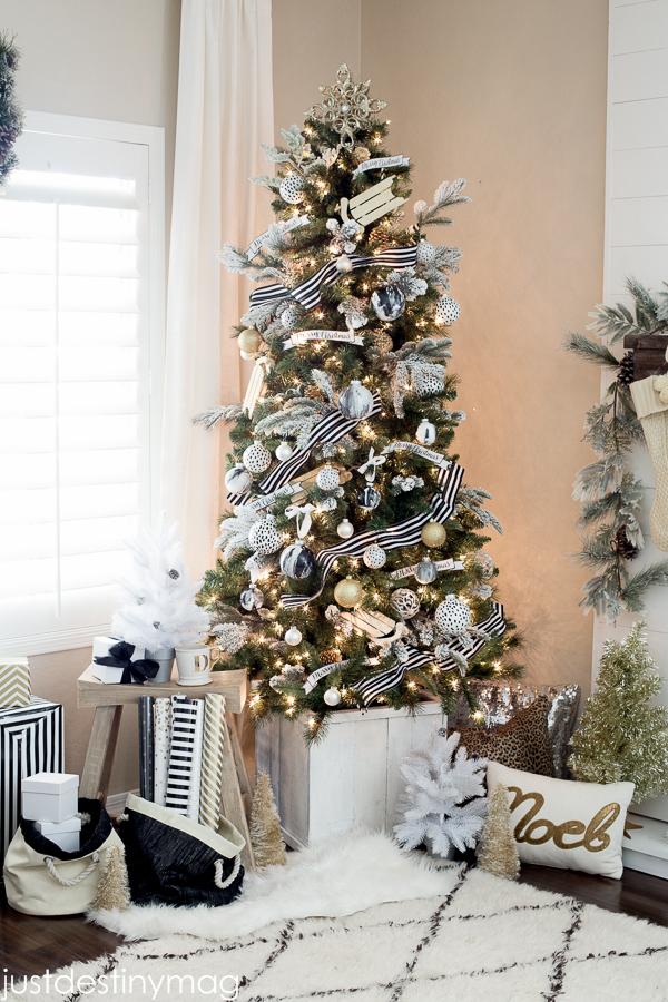 Black-and-White-Christmas-Trees.jpg