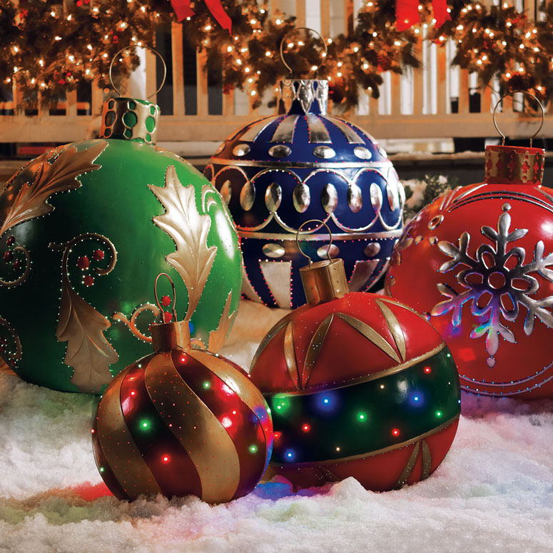 giant-outdoor-lighted-ornaments-xl.jpg