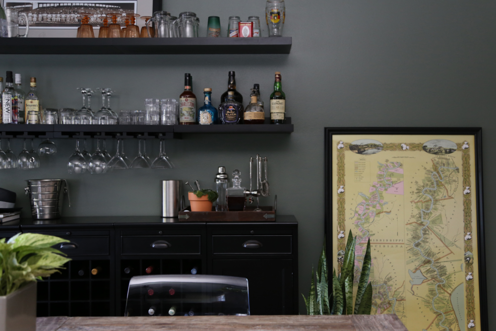 Elegant STYLING A BAR