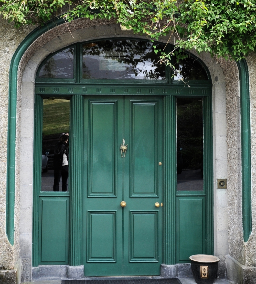 BALLYHINCH CASTLE, IRELAND