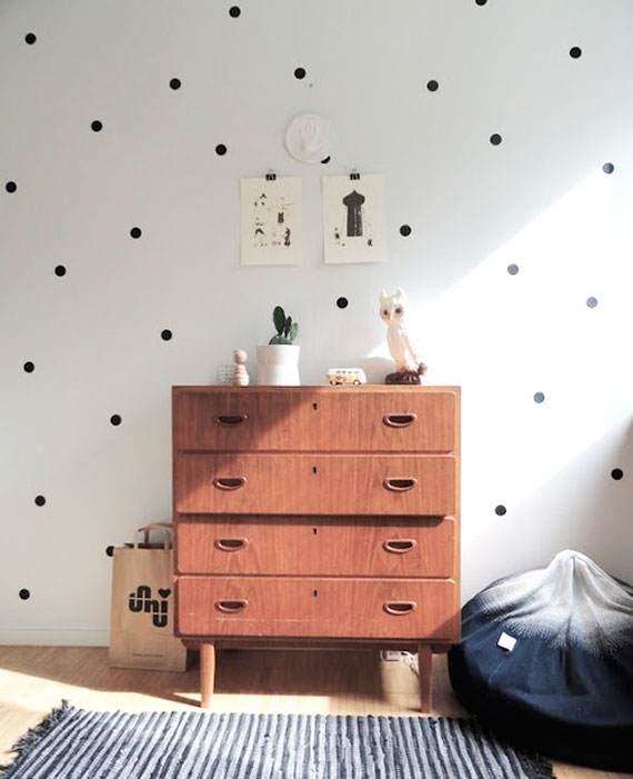 PIN DOT WALLS