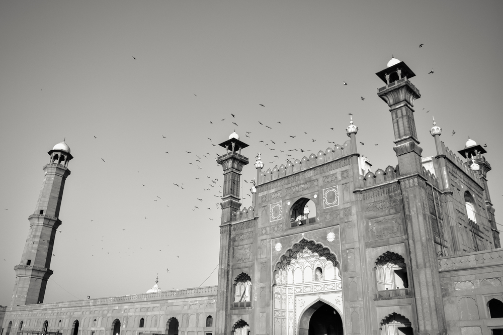 Badshahi Mosque in Lahore was commissioned to be built by the 6th Mughal emperor, Aurangzeb from 1671 to 1673.