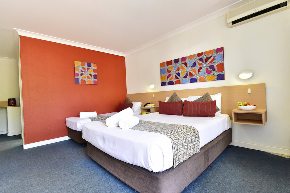 diplomat-motel-alice-springs-accommodation-superior-twin-plus3 copy.JPG
