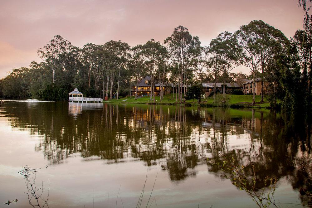 lincoln-downs-resort-batemans-bay-hotel-lake-gazebo-view-sm.jpg