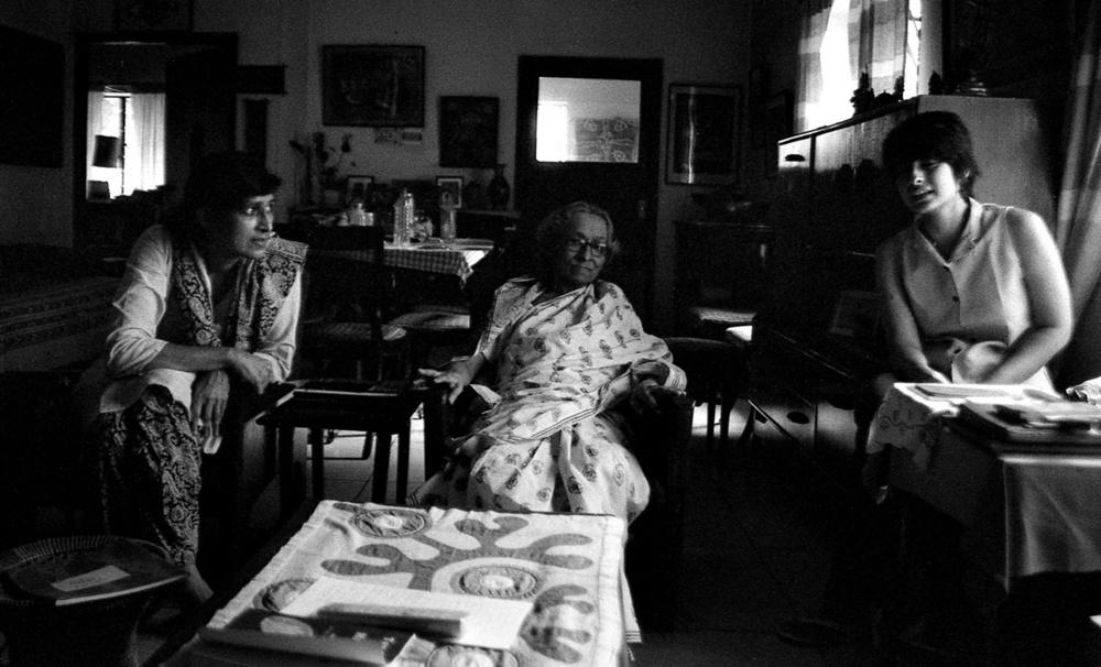 Tapati & Krishna Guha Thakurta & Mrinalini Vasudevan 2011