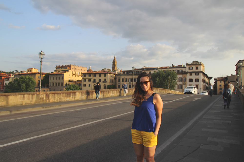 Firenze Walking the bridge across the River Arno