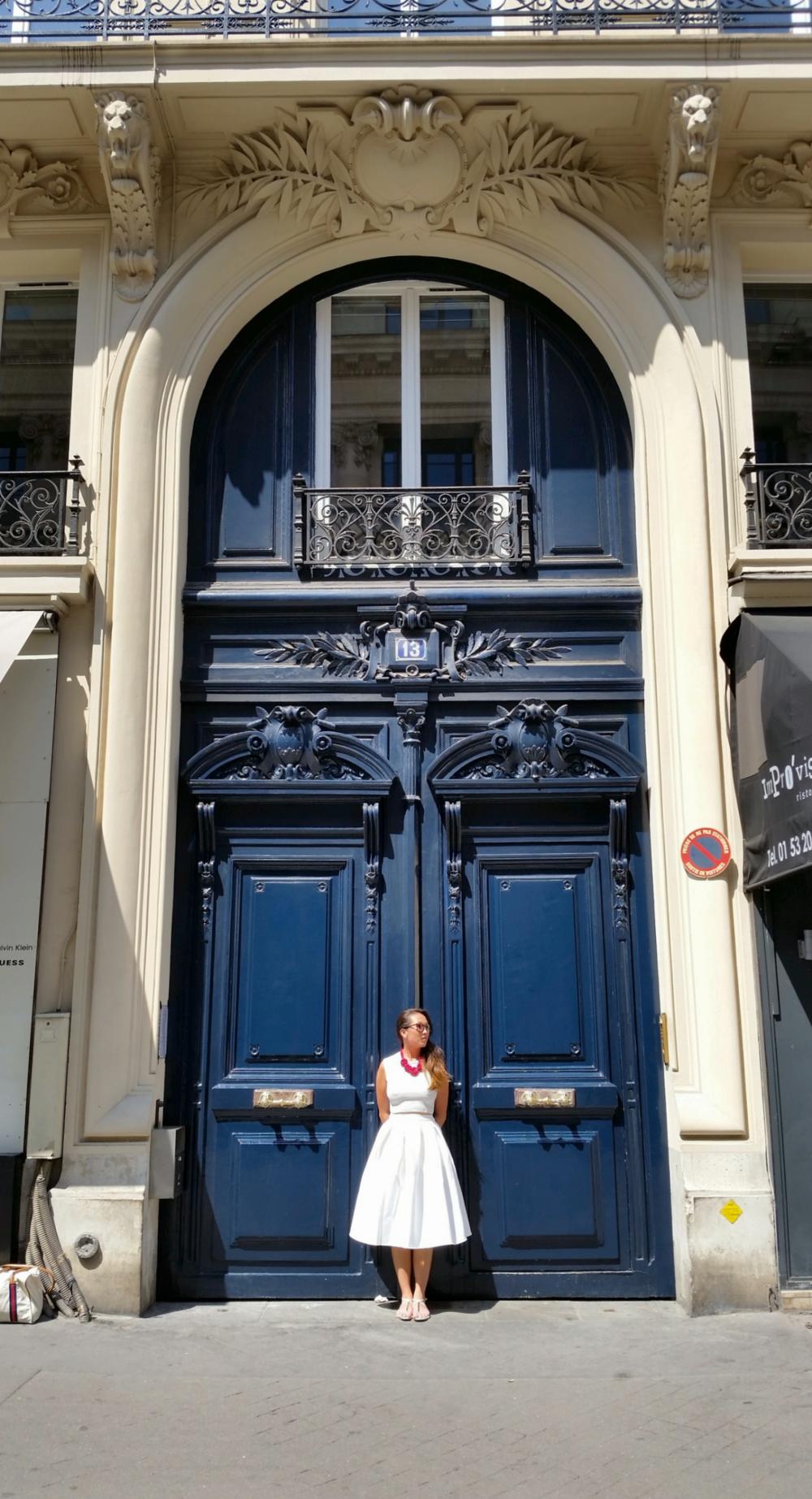 PARIS A sunny day in Saint Germain des Pres