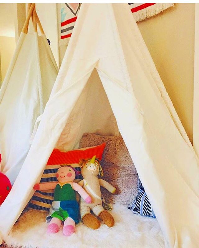 Thanks to @littlelovenugget for sharing 💛 such cozy reading corner n space for her two little angels 😌 #readingtime📖 #playroom #teepeelove #hideaway #quiettime #kidsroom #teepee #dextonkids #interiordesign #naptime