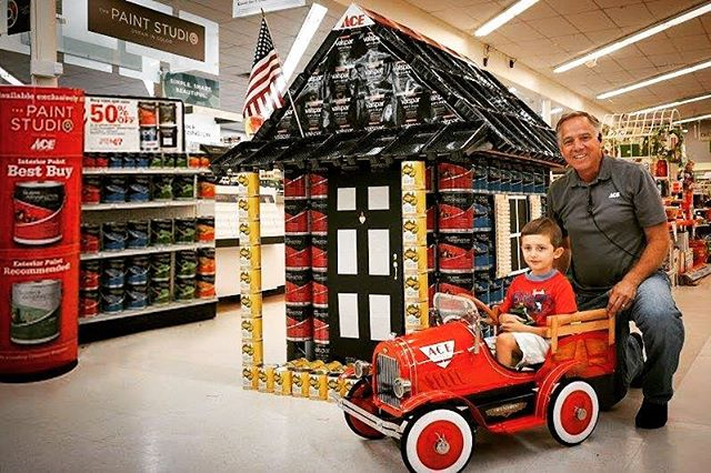 Are you ready to roll for the holiday season? @harleysvilleace sure is with the Ace Delivery Truck pedal car! #thehelpfulplace #acehardware #harleysville #dextonkids #pedalcar #myfirstride #hohoho #holidaytime