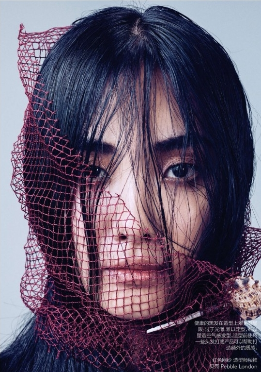 Ji-Young-Kwak-Vogue-China-March-2014-05b-650x866.jpg