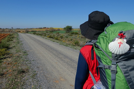 A pilgrim on the Camino de Santiago, where the Iglesia Española Reformada Episcopal is hoping to build an Anglican Centre. The pilgrimage route is to feature in a new three-part BBC television series. (Photo: xtberlin/Pixabay)