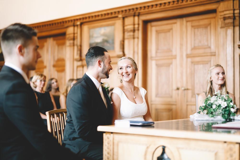 Als Hochzeitsfotografin bei einer Standesamtlichen Hochzeit im Rathaus von Bergisch-Gladbach