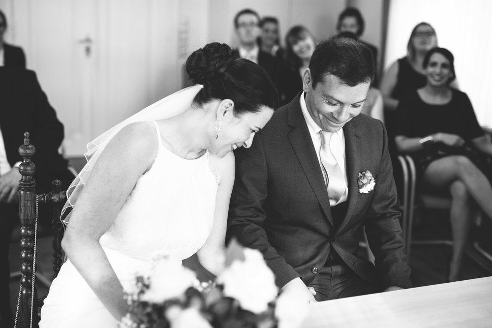 Als Hochzeitsfotografin bei einer Standesamtlichen Trauung in Jörk