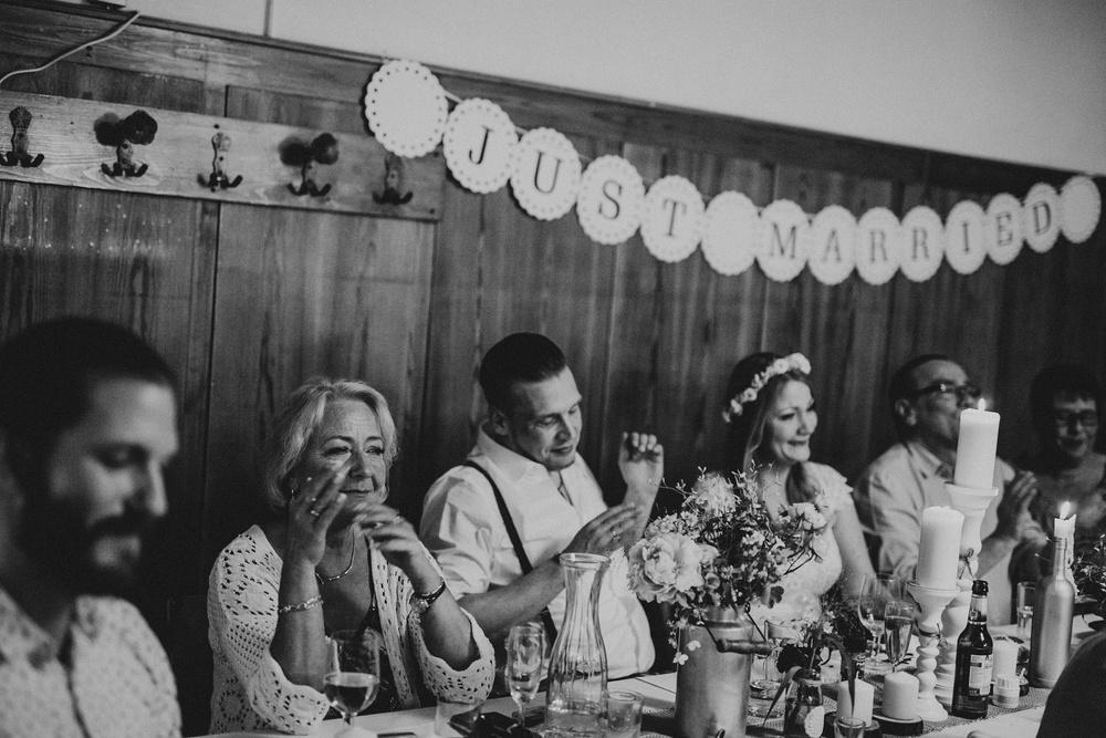 Emotionale Hochzeitsfotografie von der Rede des Brautvaters