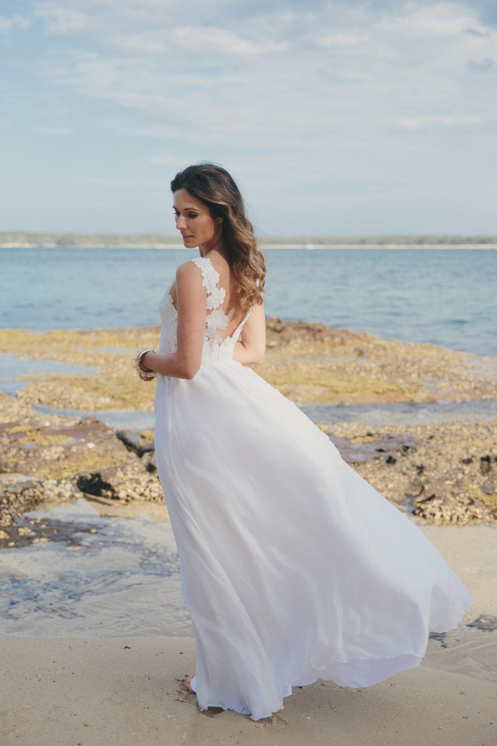 Amber Joy Photography   Laura Kinnear  Amy New Bridal  The Bridal Bar
