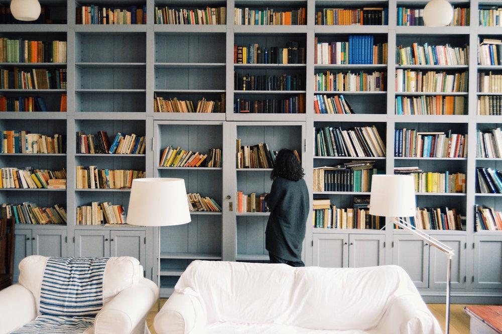 bookshelves lady.jpg