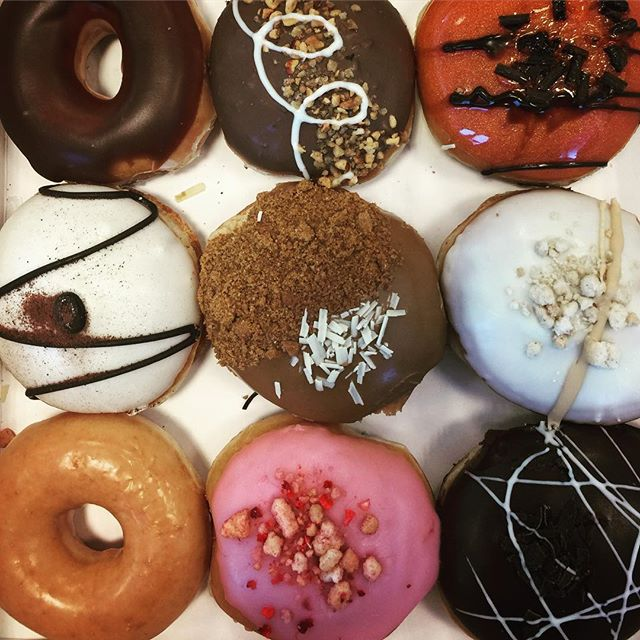 Best diet ever! #whatdiet #donuts #donuts🍩 #krispykreme #colours #sugar #weigtloss #dozendonuts #motivation #humpday #donutday #eventplanner #eventprofs #food #food😍 #mmmm #mmmdonuts