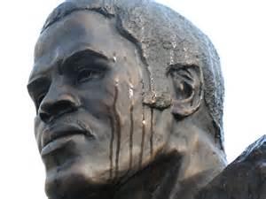 Earl Campbell Statute at DKR Memorial Stadium