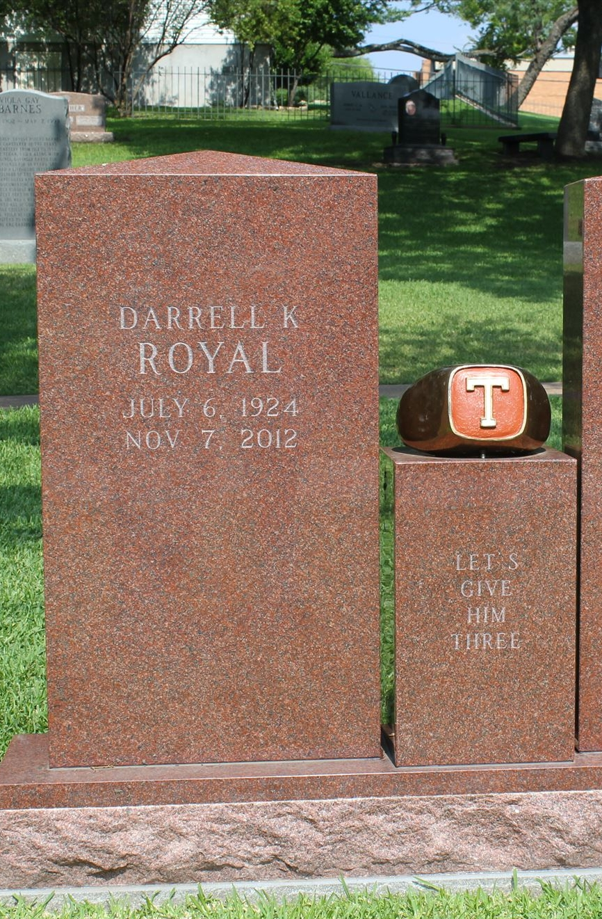 DKR resting place with T-ring on Pedestal