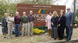 Tommy Nobis center 2.jpg