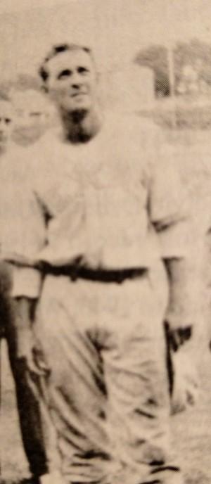 Bobby Moers 1938 (BB, F, basket)