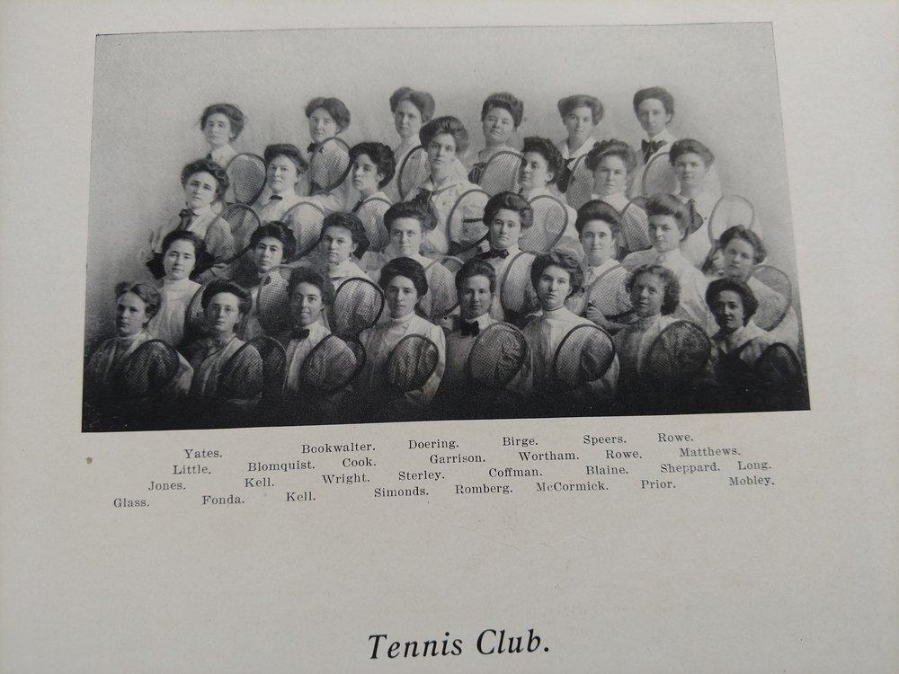 1907 Tennis Club -