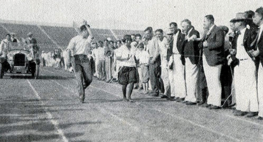 Lola Cuzarare wins the race of 89 miles -